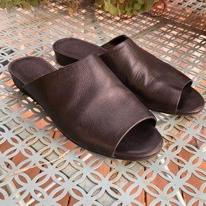 3 for $20 🍄 Black Leather Slides